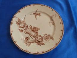 """Très Belle Assiette Plate En Faïence De GIEN, Collection """"OISEAUX-MOUCHES"""" (modèle 2) - Gien (FRA)"""