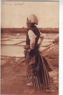 17. L'ILE DE RE . LA FEMME DU SAULNIER . METIER . Editeur BERGEVIN . RAMUNTCHO .23242 - Ile De Ré