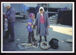 CPM Neuve Animée Moldavie Au Grand Marché On Vend De Tout - Moldavie