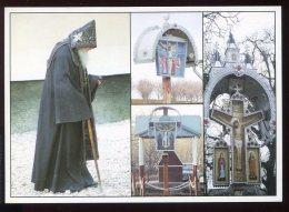CPM Neuve Animée Moldavie Moine En Prière à CAPRIANA Puits Et Calvaire Crucifix Route De Straseni - Moldavie
