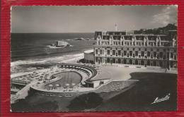 France  - Dépt 64 -  BIARRITZ -  L'Hôtel Du Palais Et La Piscine Californienne  - Photo Véritable - Biarritz