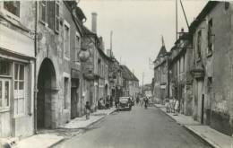 58 TANNAY - LA GRANDE RUE ( ANIMEE ) ( CPSM FORMAT CPA ) - Tannay