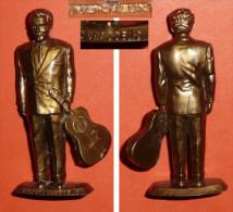 Vintage Rare Figurine Publicitaire MOKALUX Café  Vedette Music Hall Chanson Théatre Georges BRASSENS Guitare, Mokarex - Figurines
