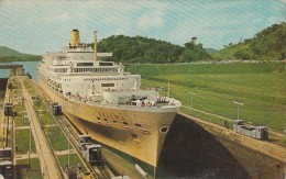 SHIPS - M. V. Oriana - Panama Canal - Dampfer
