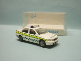 Rietze - FORD MONDEO Ambulance Voiture 50578 Neuf NBO HO 1/87 - Véhicules Routiers