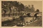 Bric A Brac Antiquités Brocante Quai Grands Augustins Paris Lampe Livre Bibelot - Foires