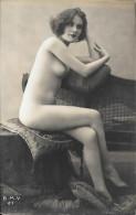 Cpa  Nu Authentique. BMV 21-5 - Beauté Féminine D'autrefois < 1920