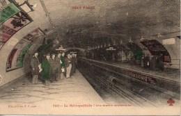 75 PARIS Métro . TOUT PARIS Le Métropolitain , Une Station Souterraine - Métro Parisien, Gares