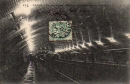 75 PARIS Métro . Métropolitain Station Souterraine Du Temple - Métro Parisien, Gares