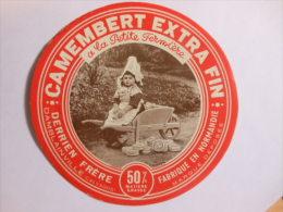 A-14206c - étiquette De Fromage - Camembert A LA PETITE FERMIERE DERRIEN FRERE à DAMBLAINVILLE - Calvados 14BQ - Cheese