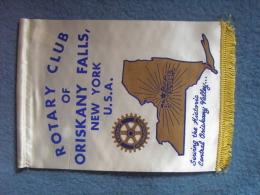 FANION:  ROTARY INTERNATIONAL   .ROTARY CLUB OF ORISKANY FALLS, NEW YORK.    .U.S.A. - Organisations