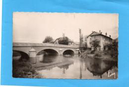 VALDOIE-Le Nouveau Pont Et L'entrée Du Village-beau Plan  A Voyagé En 1951-édition Brard - Valdoie