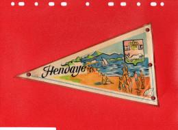 Drapeaux Fanions/France Tissus Plastifié HENDAYE PLAGE  -FRONTIERE-PONT INTERNATIONAL Bi -face /Années 1950-1960 - Oggetti 'Ricordo Di'