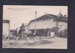 Fresnes Sur Apance (52) - La Fontaine Ronde ( Animée Photo Larcher ) - Autres Communes