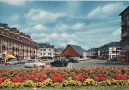 ST VALERY EN CAUX LA PLACE DU MARCHE LA CHAPELLE NOTRE DAME DU BON PORT - Saint Valery En Caux