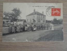 CPA 51 LE VEZIER MAIRIE ET PLACE POPULATION - France