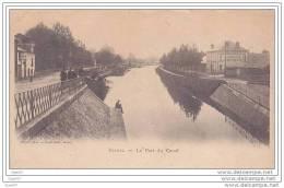 Cpa Réf-JPS-1311 (  Dép 08 à RETHEL ) Des Hommes Sur Le Port Du Canal ,au Fond à Droite La CARROSSERIE - L.Pouply - Rethel