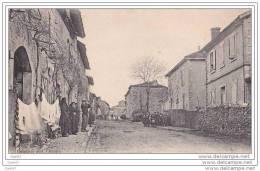 Cpa Réf-JP-X49 (  Dép 34 )  à  BELBEZE , Des Groupes De Personnes Sur Les Trottoirs Et Des Draps étendus Aux Fenêtres - France