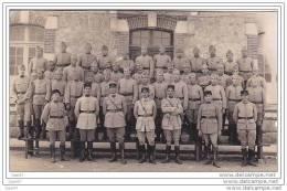 Carte-Photo Réf-JP-X412 ( Guerre 14/18)   MILITAIRES  Devant La Caserne - Kasernen