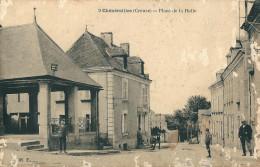 23 CHENERAILLES ( Creuse ) -  Place De La Halle ( état Acariens ) - Chenerailles