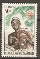 DAHOMEY.  1963.  Y&T N°187 *.  Féticheur Et Son Python  /  Serpents. - Bénin – Dahomey (1960-...)