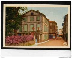 REALMONT-N ° 5--rue De L´ Hotel De Ville --édit APAP POUX Albi-années  40 - Realmont