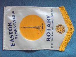 FANION/PENNON:  EASTON PENNSYLVANIA     (U.S.A.)   -   ROTARY  INTERNATIONAL. - Organisations