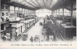 TOURS - Intérieur De La Gare - Les Quais - Train - Tours