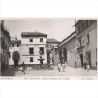 CDBTP5560-LFTD2117.Tarjeta Postal DE CORDOBA.Persona.casa.PLAZA  DEL PROTRO Y MUSEO ROMERO DE TORRES En Cordoba - Córdoba