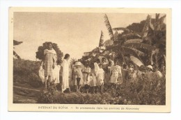 INTERNAT DU BOINA En Promenade Dans Les Environs De  Marovoay - Madagascar