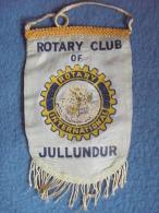 VINTAGE FANION:  JULLUNDUR.   (INDE).  -   ROTARY CLUB  INTERNATIONAL. - Organisations