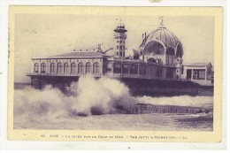 FRANCIA - CARTOLINA NIZZA  - LA JETEE PAR UN COUP DE MER ANNO1926 - Storia Postale