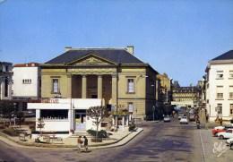 24 BERGERAC Cpsm 10.5x15 Cm Syndicat D´Initiative Palais De Justice Et Rue Du Marché Voitures - Bergerac