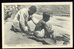 Cpa D´ Ethiopie Abyssinie - Remèdes -- Après Un Coup De Rasoir , On Tire Le Sang Avec Une Corne De Vache    AA8b - Ethiopie