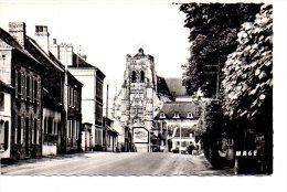 REF 221 CPSM 80 Saint St Riquier Route D'abbeville Et L'abbatiale Antar - Saint Riquier