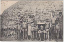 25740g  MOZAMBIQUE - ETHNOGRAPHIQUE - Native Family - Mozambique