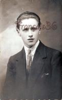 Beau Jeune Homme élégant - CARTE PHOTO Cachet Du Photographe à VERNON (Eure) - Pretty French Man - Hommes