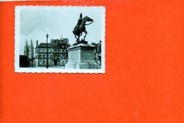 14 CAEN : L'abbaye Aux Hommes Et La Statue De Duguesclin  (dimensions 8.7 X 6.5) (noir Et Blanc ) - Photographie