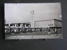 O N° 123  /  Nehterlands - Pays-Bas -  Noord-Brabant,   Eindhoven  Stationsplein / Circulé 1964 - Eindhoven