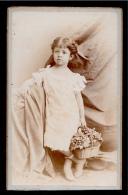 En L'état PHOTO Photographie CDV Petite Fille Au Panier De Raisins ° De Chute & Brooks MONTEVIDEO & BUENOS AIRES - Ancianas (antes De 1900)
