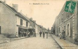 COUBERT RUE DE PARIS - France