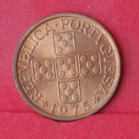 PORTUGAL  50  CENTAVOS  1975   KM# 596  -    (Nº12392) - Portugal