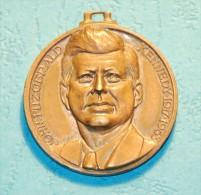 John F. Kennedy And Robert Kennedy - Monarquía/ Nobleza
