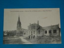 33 ) Le Tourne - N° 9725 - L'hotel De Ville ; Les Batiments Scolaires Et L'eglise  - Année 1918 - EDIT - Guilliers - France