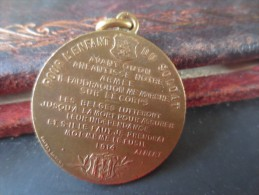 Médaille .ALBERT ELISABTEH - 1914- POUR L´ENFANT DU SOLDAT -GRAVEUR BAETES ANVERS  VOIR  PHOTOS - Belgium