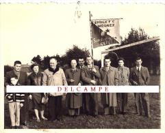 WEGNEZ étoile De...FC,  PEPINSTER Football, Supporters Club Photo NB   11 Cm X 8,5 Cm,   RARE Document  (252) - War, Military