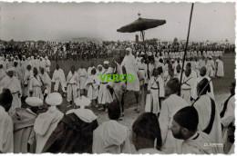 Carte Postale Ancienne De MAROC – SA MAJESTE LE SULTAN DU MAROC RECEVANT LES HOMMAGES DES NOTABLES - Marruecos