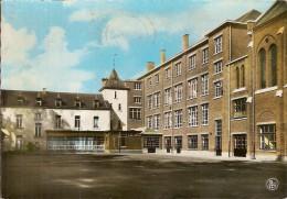 YVOIR-INSTITUT NOTRE DAME DE LOURDES-EXTERIEUR DES LOCAUX - Yvoir