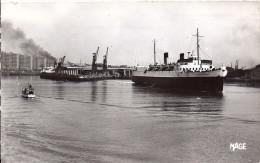 """Cpsm Paquebot """"le Shepperton""""  Boulogne Sur Mer - Fähren"""