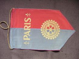 VINTAGE FANION:    PARIS.     (FRANCE).  -   ROTARY  INTERNATIONAL. - Organisations